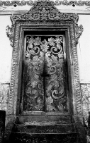 Hall_temple door _close